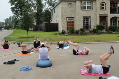 Cul-de-sac workouts in the neighborhood of The Woodlands - Mobile Personal Training - Spring Texas and The Woodlands